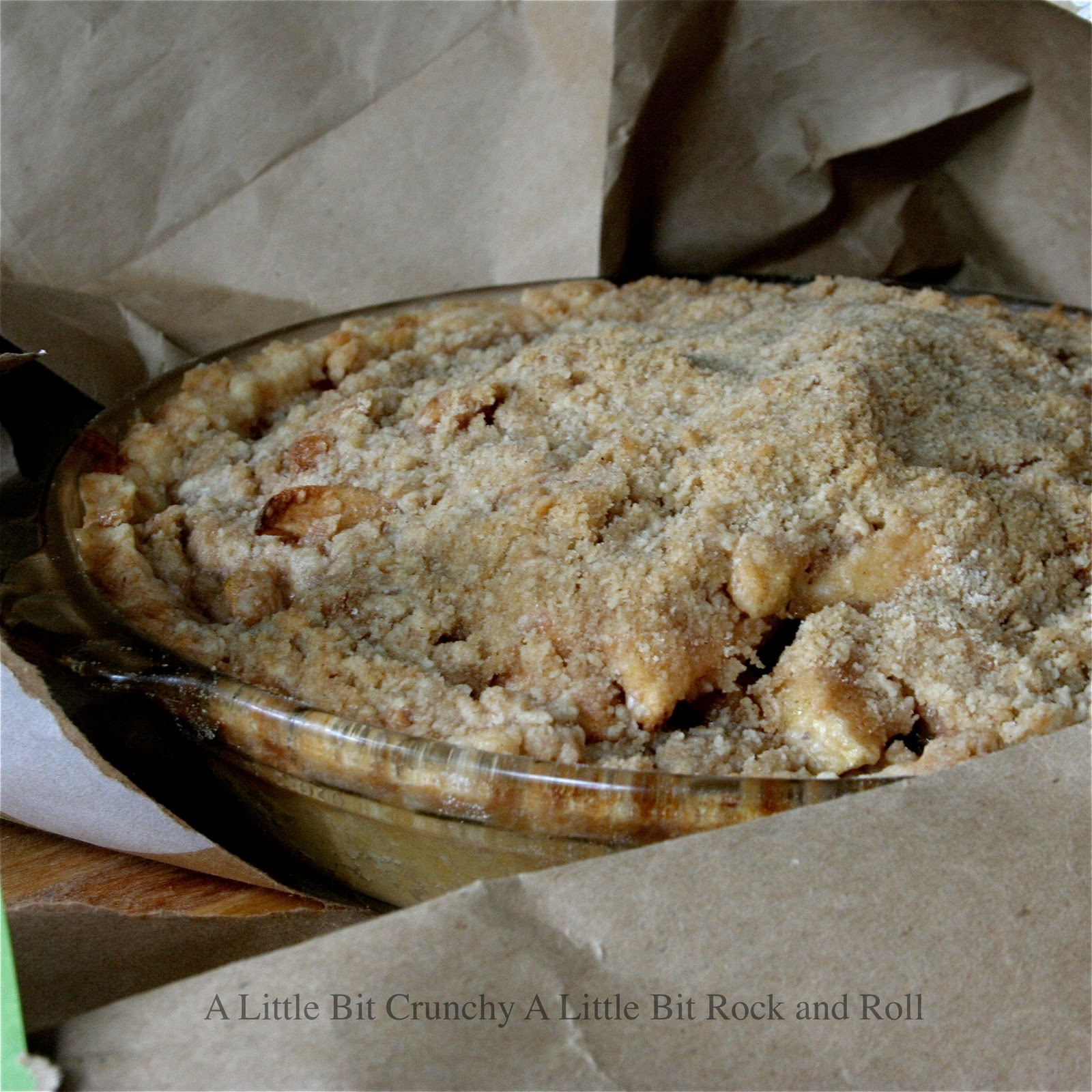 ... Crunchy A Little Bit Rock and Roll: Brown Bag Baked Dutch Apple Pie