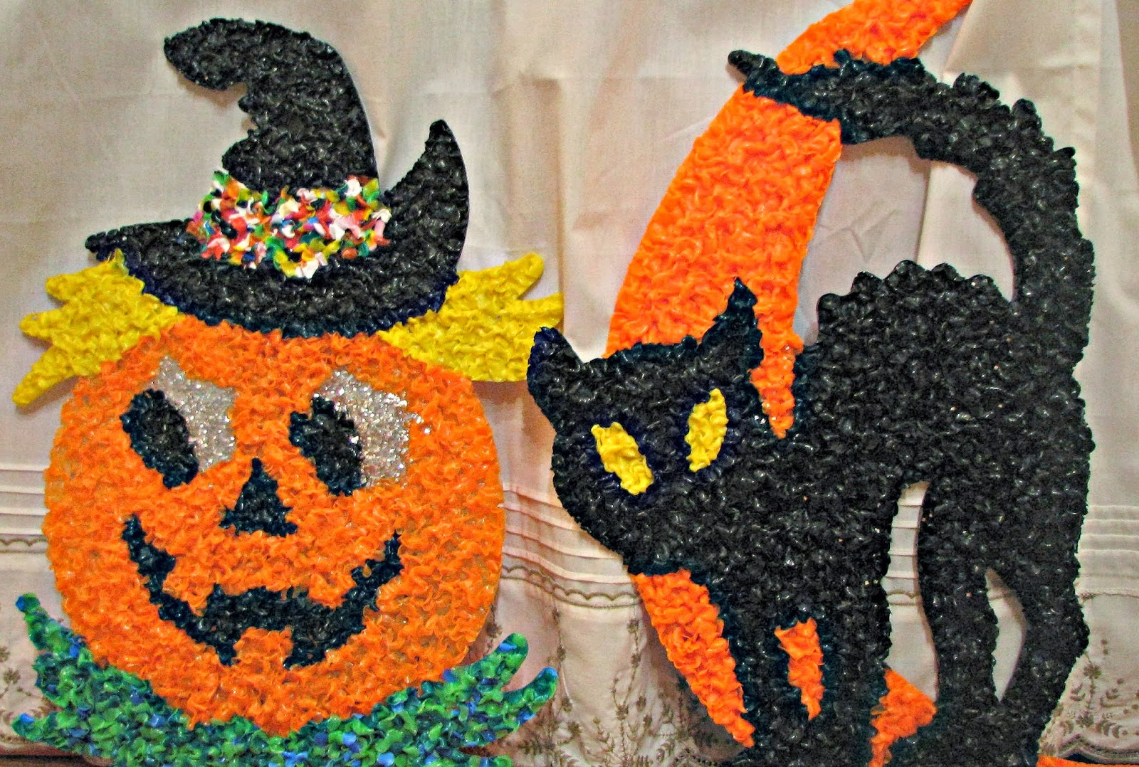 Vintage halloween decorations plastic -