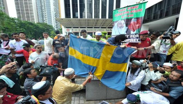 Ευρώπη Ντροπή! Σουηδοί Αστυνομικοί πήγαν να ερευνήσουν βιασμό 10χρονου και κυνηγήθηκαν από τους λαθρομετανάστες!