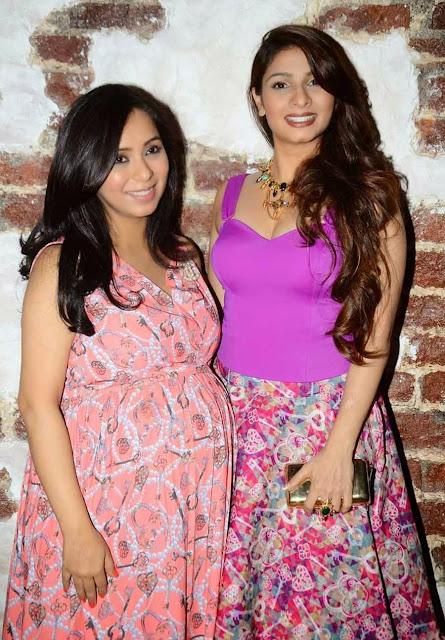 Tanisha Mukherjee Spicy in Pink Tops 5.jpg