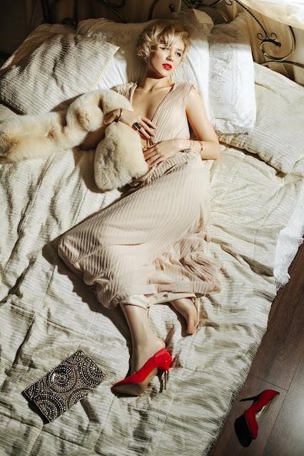 Катя Сыроежина в образе Монро:).