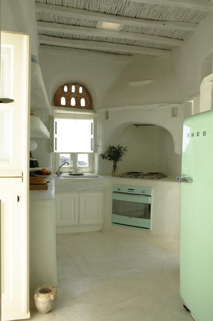 Tranquila simplicidade na vitrine for Creative interior design marco island