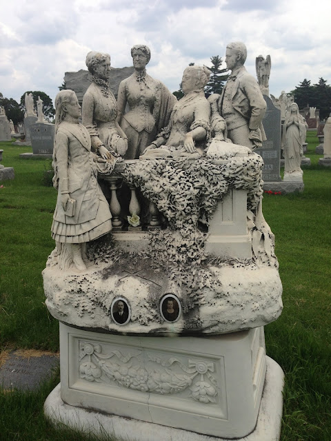 The spinning grave at mt carmel mysterious chicago tours