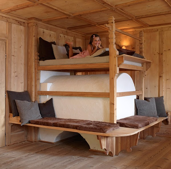 Log cabin interiors design ideas goodiy for Cabin bedroom designs