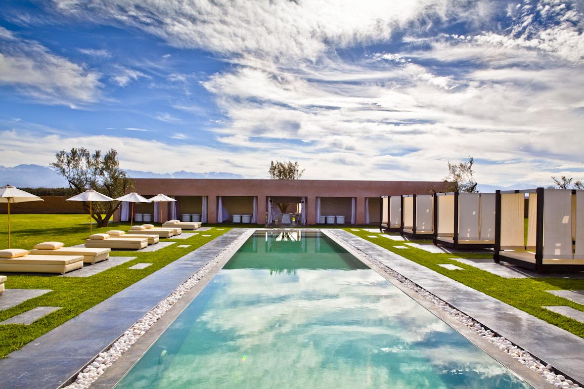 Location villa luxe marrakech riad avril 2011 for Model de villa de luxe