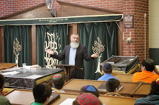 Rav Stav Visits the High Schools