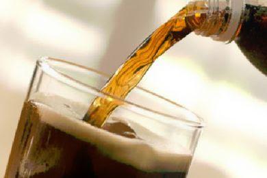 """الإفراط مشروب الـ""""دايت"""" يهددك بسكتة دماغية"""
