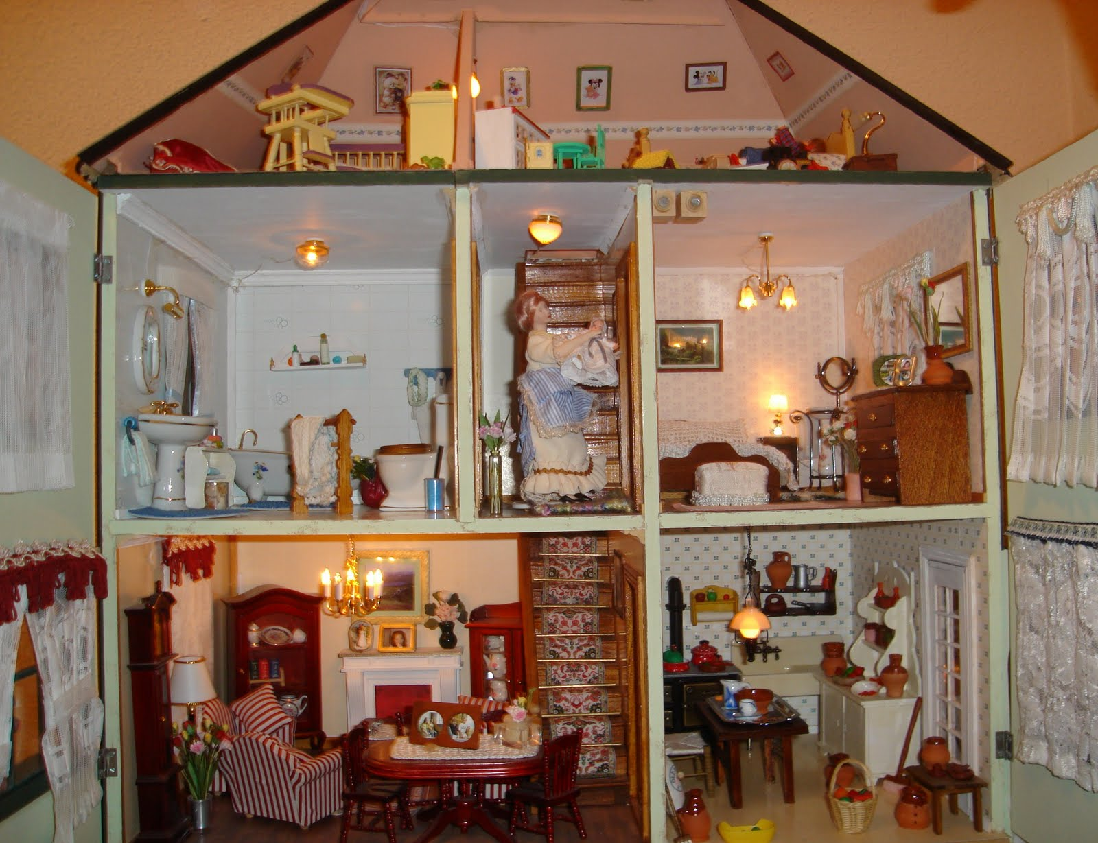 El blog de marivi mi primera casa de mu ecas - Casa de munecas you and me ...