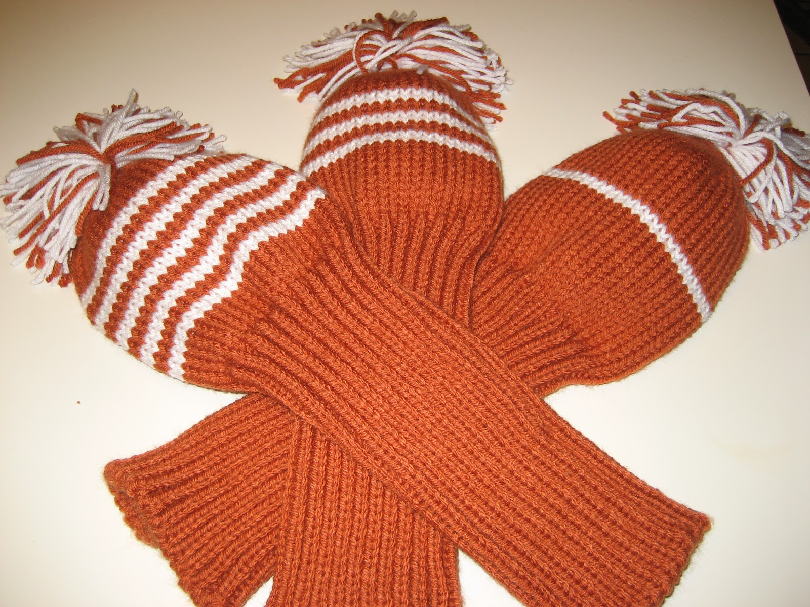 Knitted Golf Club Covers Pattern Free : Diana natters on... about machine knitting: Golf Club Covers