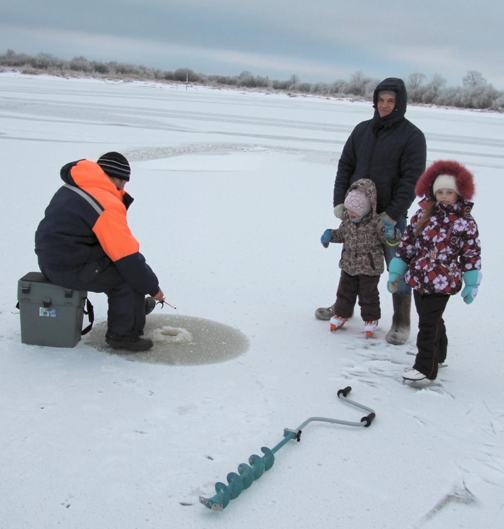 Зимняя рыбалка. Первый лед