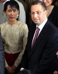 Derek Mitchell et Aung San Suu Kyi