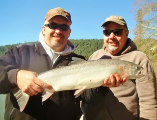 Guided-fishing-trip-for-steelhead-on-the-Umpqua-river-Oregon