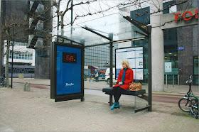 مقعد محطة الباص يذكرك بأنك aaaaaa.jpg