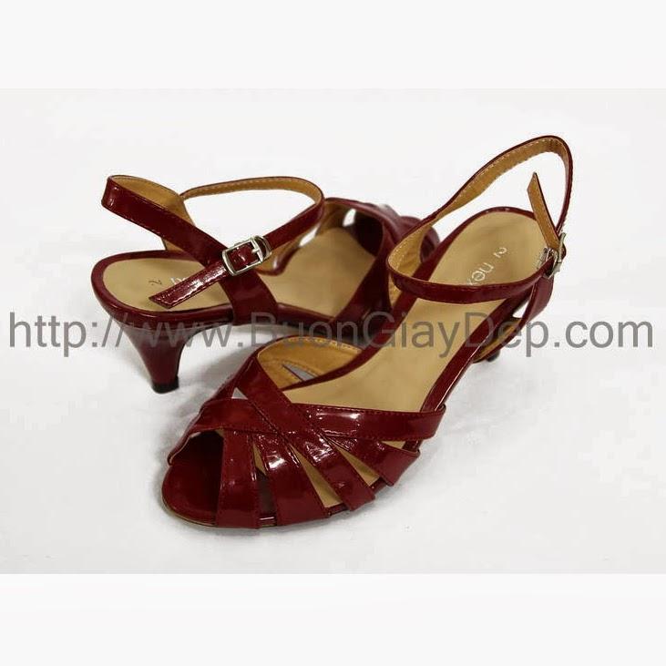 Chuyên phân phối giày dép VNXK tại HN