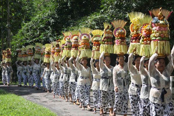 Upacara Piodalan di Pura Alas Kedaton Temple Tabanan Bali