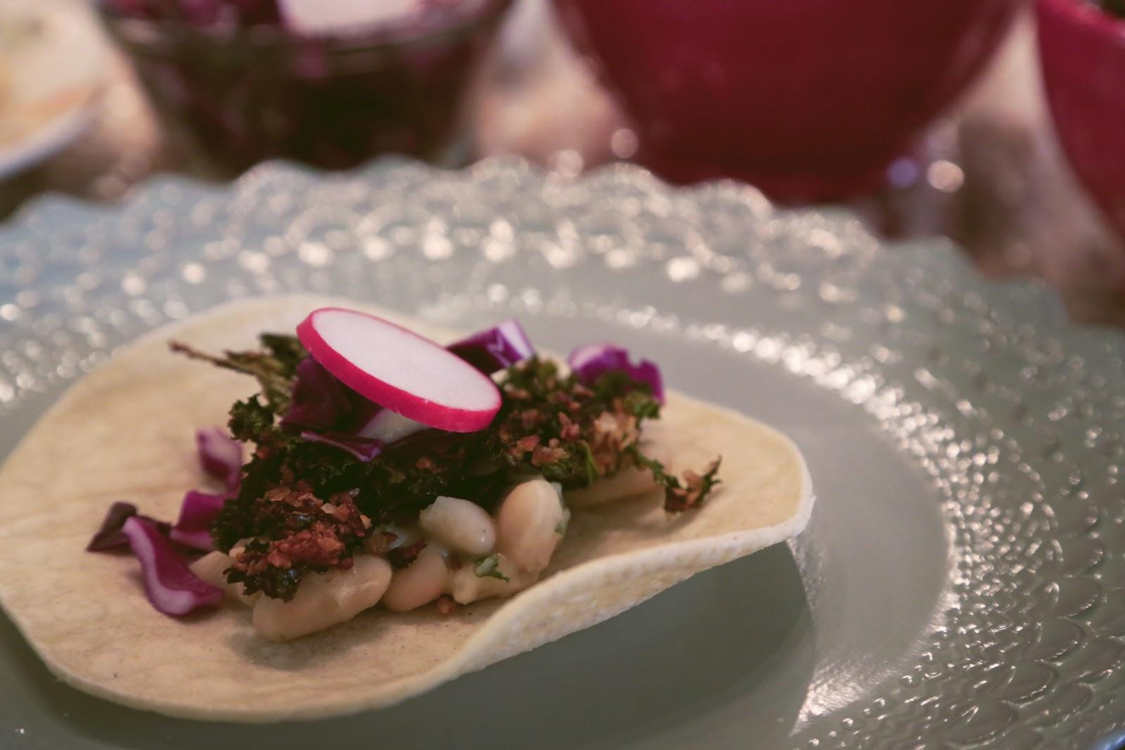 Laucole: kale coconut + white bean tostadas dos