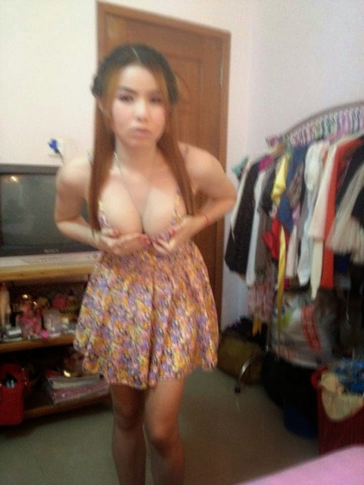 nude female wresteling videos