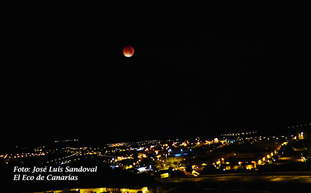 fotos eclipse super-luna de sangre desde Las Palmas de Gran Canaria