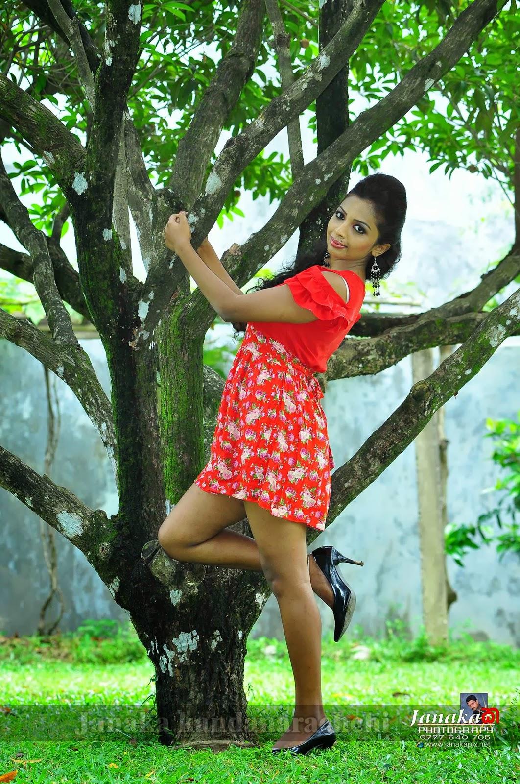 Lakshika Jayawardhana red hot