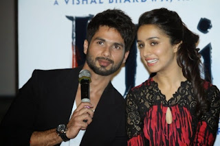 j47ihv1tkdnpfelu.D.0.Shahid Kapoor with Shraddha Kapoor at the trailer launch of film HAIDER  3 .JPG