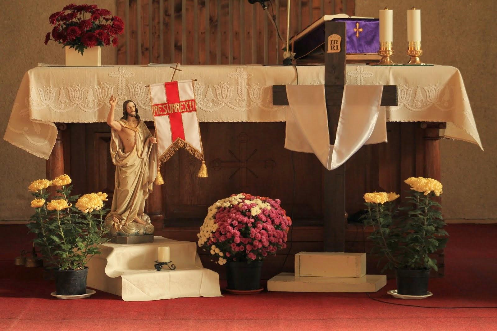 Halottak napja – Esztelnek ferences templom
