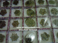 souvenir bros motif tembaga, souvenir pernikahan, Souvenir pernikahan murah,  souvenir bros