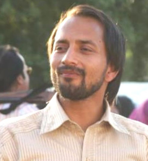 deepak dobriyal comedy