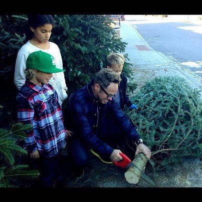 Smile FM DJ Buzz: tobymac gets his Christmas tree