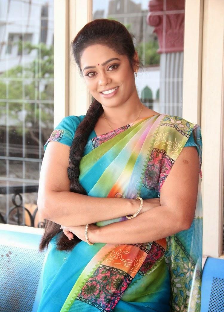 TV Serial Actress Devi Priya Spicy Saree Stills - Cinema Campus