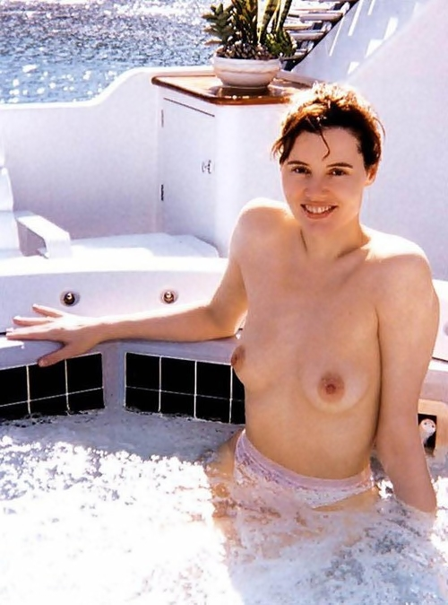Was geena davis ever nude in a movie images