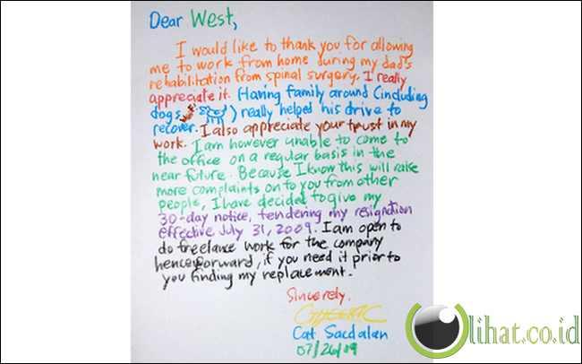 Surat pengunduran diri ditulis dengan crayon