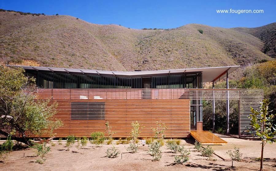 Casa contemporánea californiana de acero y madera