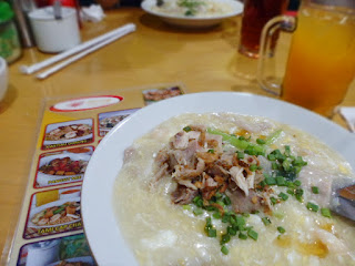 kwetiau_kwetiaw_apeng_medan_culinary_explore_surabaya_hastag_kekinian_the_hungry_doctor_merly_inijie_jack_magnifico_mie_enak_chippeido_review_foodies_food_blogger_kuliner