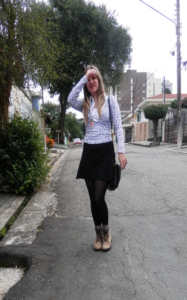 Look: Camisa de poá + coturno
