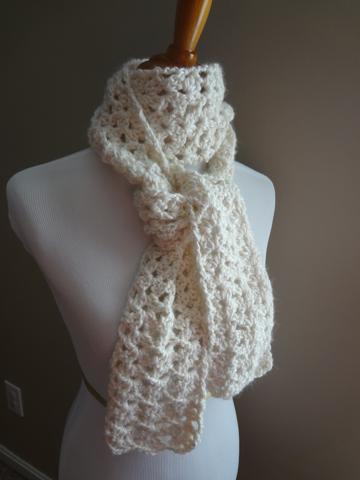 Free Crochet Patterns For A Man s Scarf : Fiber Flux: Free Crochet Pattern...Vanilla Bean Scarf!