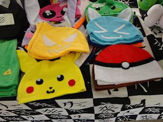 Bonés com os ícones dos videogames, Pokémon e Zelda.
