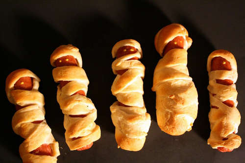Edgemont Kids in the Kitchen: Mummy Dogs (Pigs in a blanket)