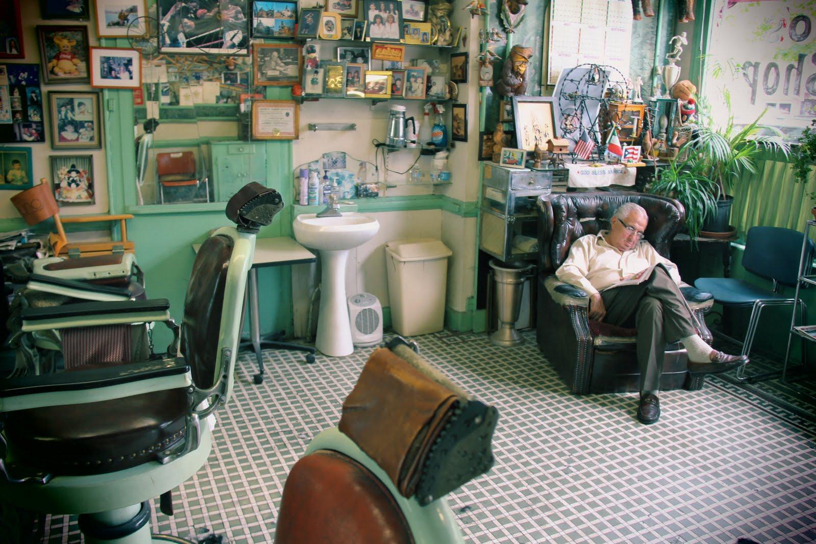 Barber In Italian : LOVE OLD NY: Claudios Barber Shop East Harlem