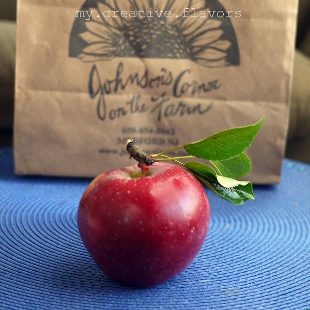 empire apple bundt cake -thanks johnny appleseed, i'm loving it :)