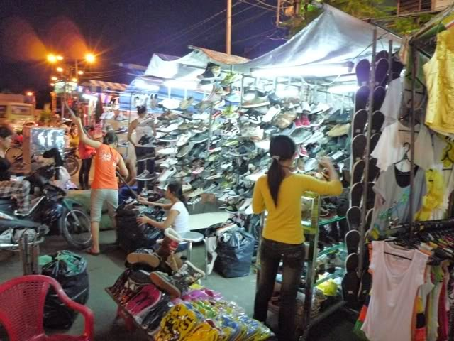 bent thant night market