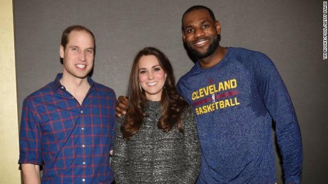 Por qué el abrazo de LeBron James a Catalina de Cambridge viola las 'reglas reales'