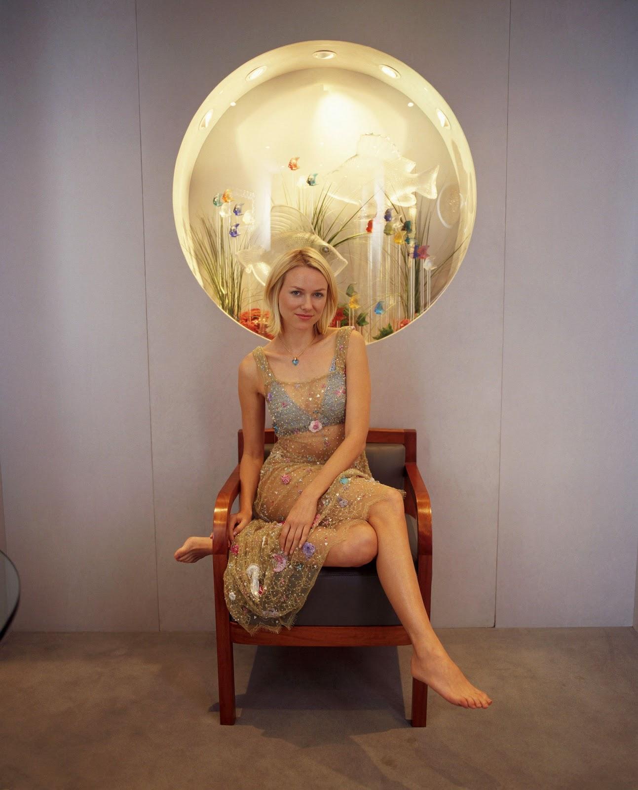http://1.bp.blogspot.com/-2ioh1tv_HVY/T_RQiVjF_zI/AAAAAAAACa8/-s_d_C4QVk8/s1600/Naomi-Watts-Feet-65071.jpg