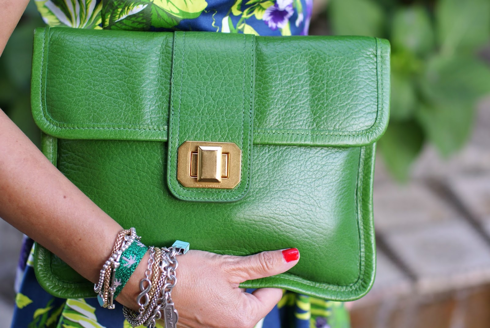 Juicy Couture green leather clutch, Fashion and Cookies, fashion blogger