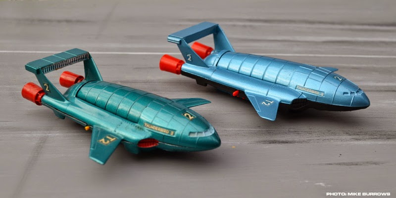 Thunderbirds (the), les sentinelles de l'air. Dinky%2BThunderbird%2B2%2B%2Bcompare%2B2