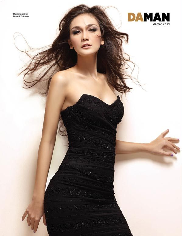 Marcella Zhafira Model Cantik Dengan Pose Yang Menggoda Pic 8 of 35