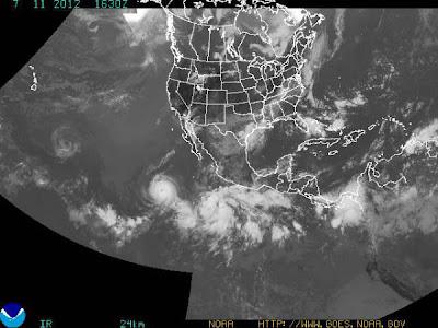Tres sistemas de tormentas se arremolinan en el océano pacífico- imagen 11 de julio 2012