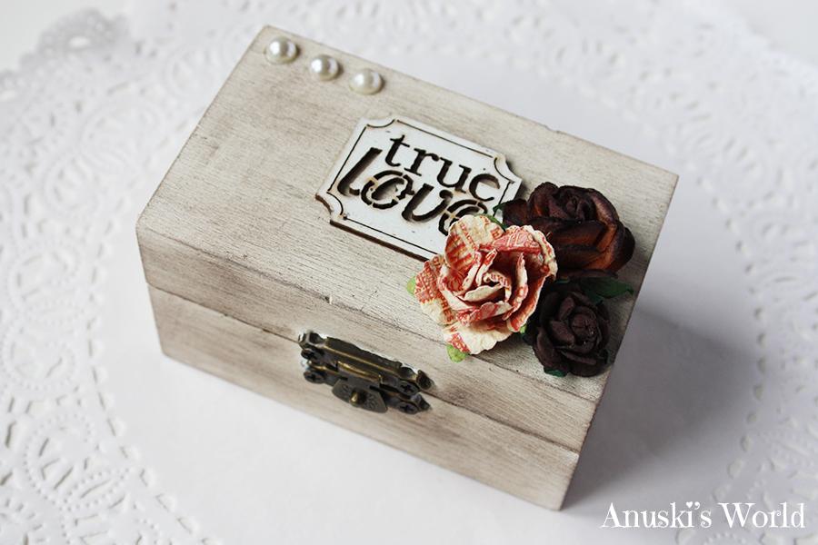 Se trata de una cajita de madera envejecida y decorada de - Cajas de madera decorativas ...