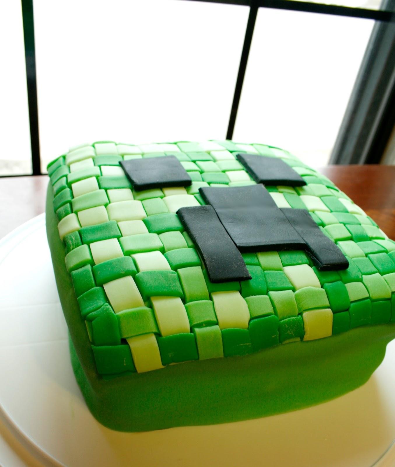 The Dieter Family: Minecraft Creeper Cake