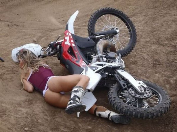 O Acidente Mais Sexy No Motocross