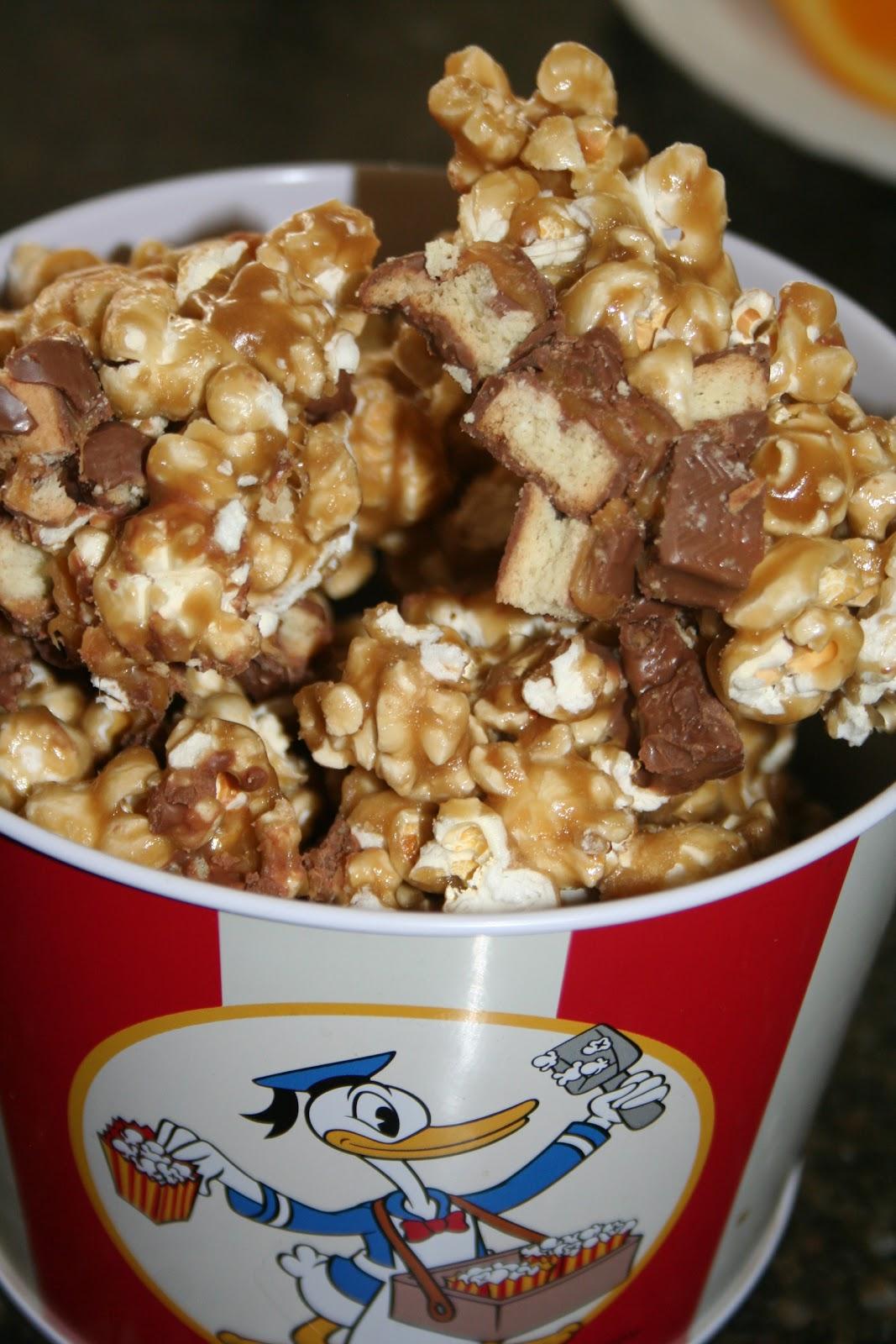 Sadie's Kitchen Adventures: Twix Caramel Popcorn